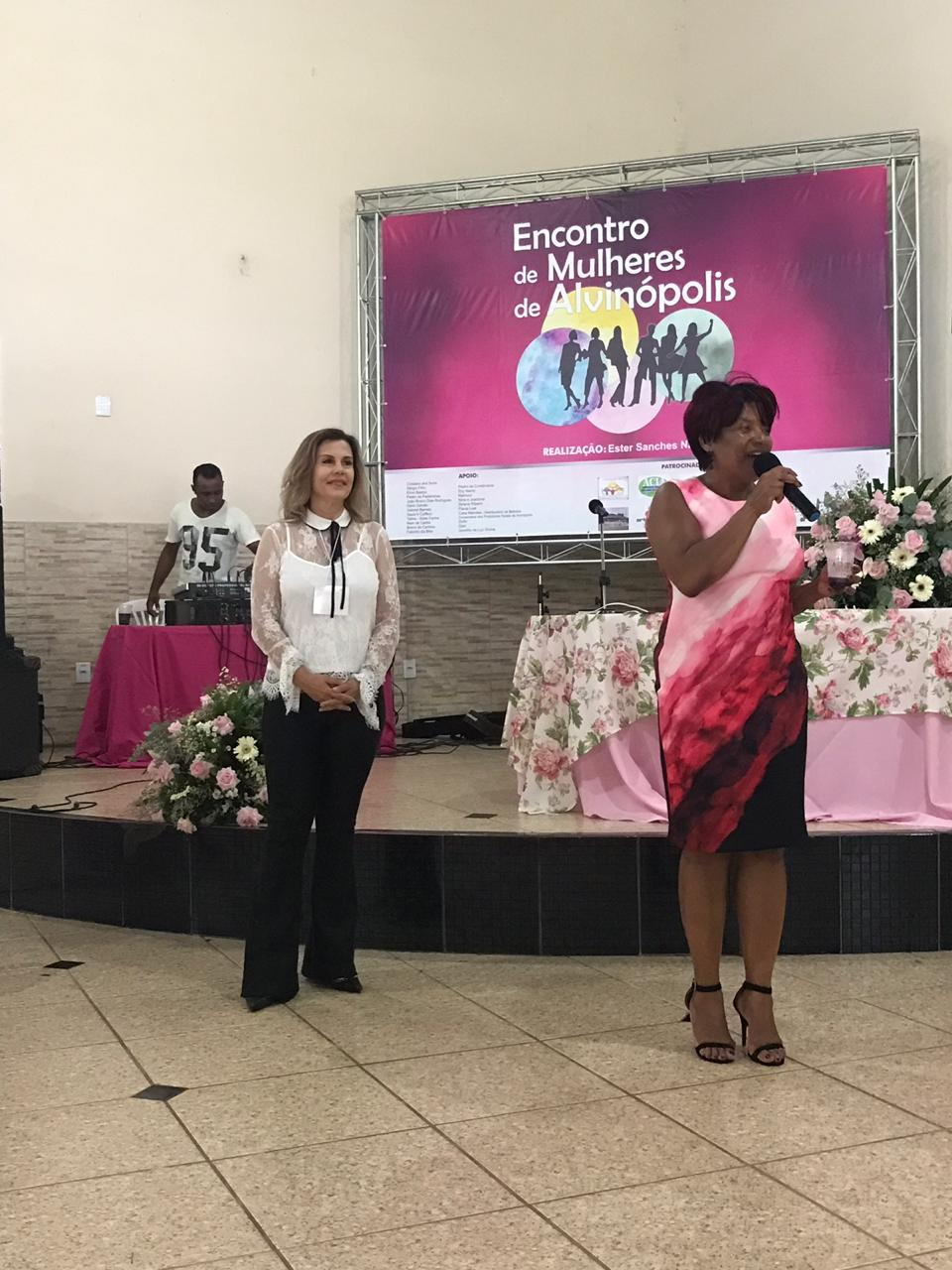 DIRETORA DA FACSETE PARTICIPA DE EVENTO DE FORTALECIMENTO DA MULHER