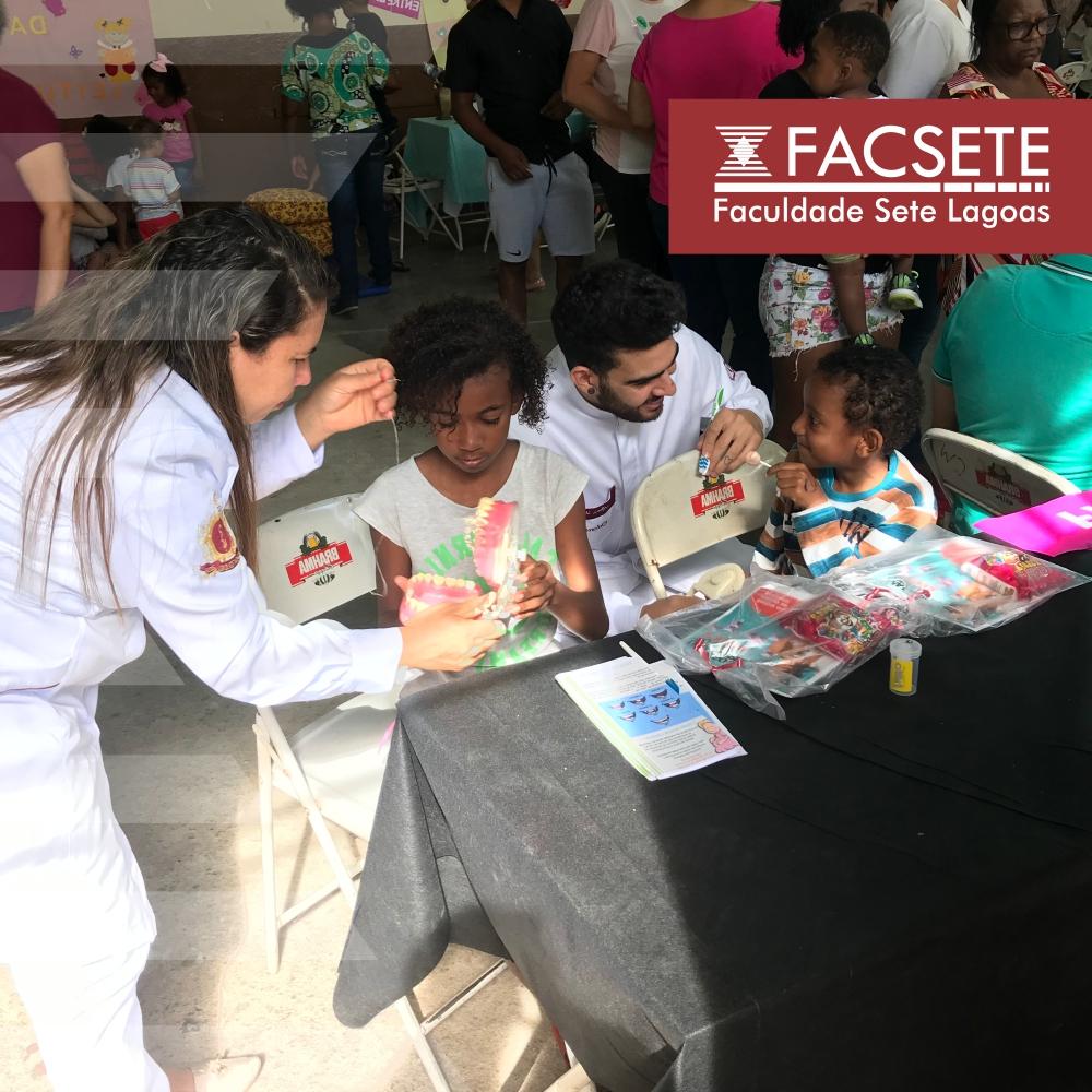 ODONTOLOGIA: ALUNOS PARTICIPAM DE CRAS EM AÇÃO NO BAIRRO VÁRZEA